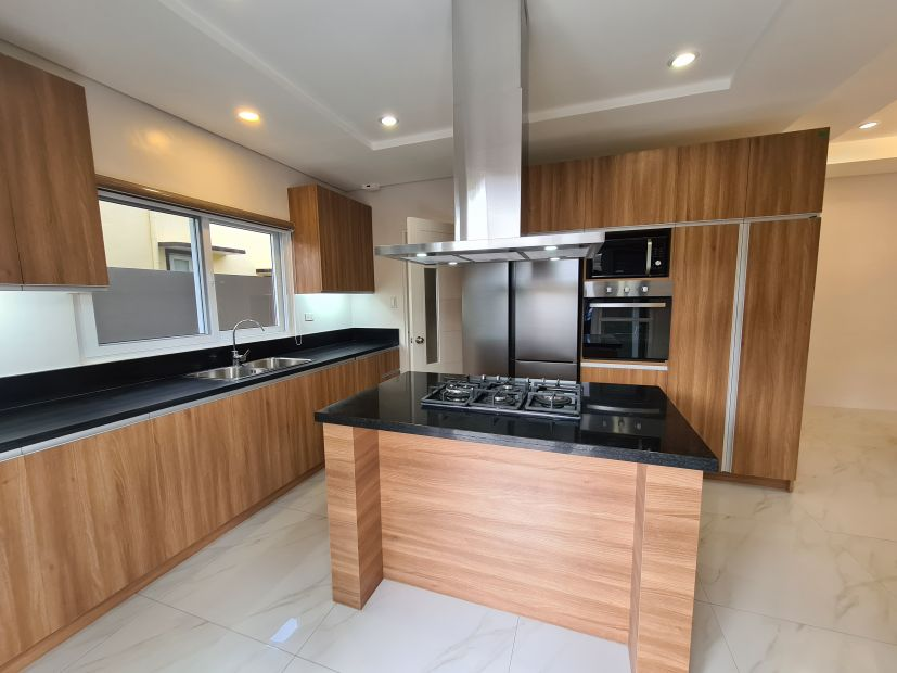 Brand New, Fully furnished house w/ Pool in Angeles City ...