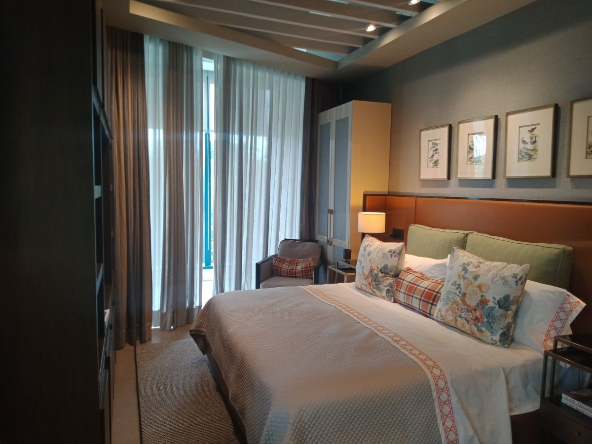 Luxurious and Spacious 3 BR Resort Style Condo at ...