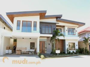 Luxurious Single House and Lot in BF Homes