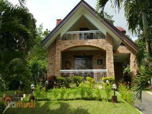 Quaint Cottage-Style House