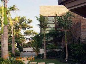Luxury and Modern House in Bel Air Makati