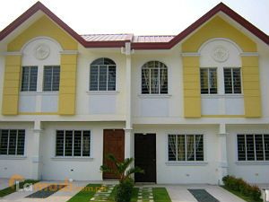 Townhouses in Caloocan
