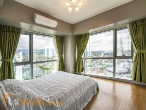 A Bedroom with a Panoramic View of Cebu City