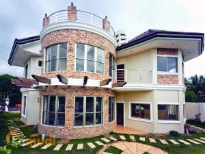 Beautiful House in Puerto Real Subdivision