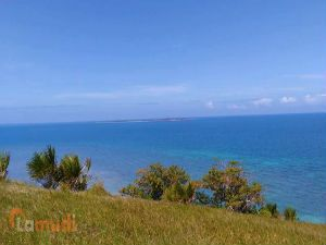 Available Lot Overlooking the Sea