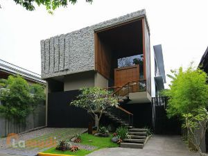 Designer House in Magallanes Village
