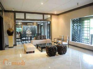 Impressive Asian-Inspired Living Room