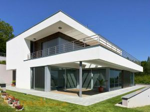 Live in an Ultra-Modern House