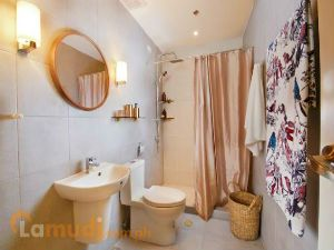 Small but Spacious Bathroom