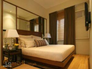 Cozy Comfortable Bedroom in Warm Tones