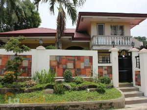 Split-Level Gated House in Novaliches