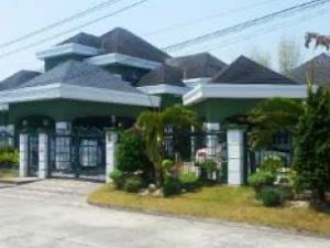 6 Bedroom House for Rent in San Fernando Pampanga