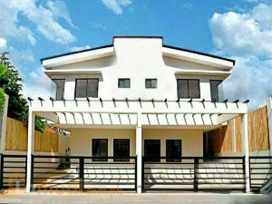 Duplex Type Townhouse in BF Homes Paranaque